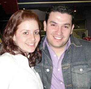 <b>10 de febrero de 2005</b> <p> Liliana Fernández Murra y Gilberto Palacios.