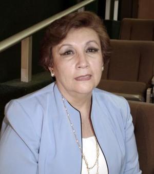 María de los Ángeles de Balcázar vicepresidenta de la federación.