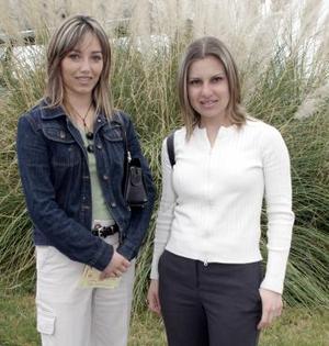 Ema de García y Silvia de Martínez.