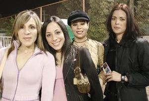 Luz Elena Romo, Cecy García, Vero Hernández, y Paty Hernández.