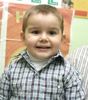 <b>11 de febrero de 2005</b> <p> Víctor Manuel Escandón Arellano celebró su segundo cumpleaños en días pasados, con una  merienda que le ofrecieron sus padres