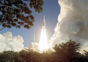 El cohete más poderoso de Europa, que transportaba una carga de satélites, partió hacia el espacio desde su base sudamericana en lo que fue un lanzamiento exitoso a más de dos años después de que su vuelo