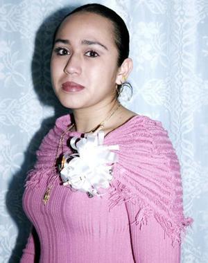 <b>12 de febrero de 2005</b> <p>  María Concepción Cedillo Ramos captada en la despedida de soltera que le ofrecieron.