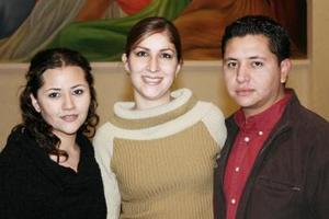 Greta Gómez Salinas, Jazmín de Gómez  y Rodolfo Gómez Salians.
