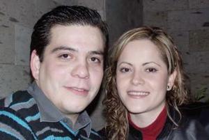 Marco Ramos en fu fiesta de cumpleaños acompañado por Karime Jalife.