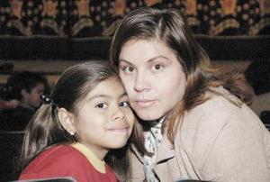 María de Jesús Valenzuela Amaya y María Fernanda Reyes Valenzuela.