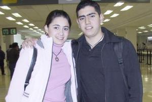 <b>12 de febrero de 2005</b> <p> Claudia Rebollo y Beto Díaz viajaron a París.