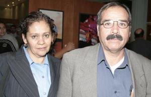 <b>13 de febrero de 2005</b> <p> Humberto García y Ana Lozano de García.