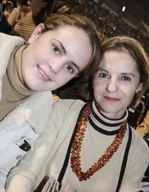 Brenda Baille y Charmein de Villalobos.