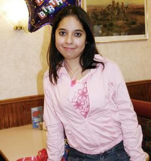 Karla María Robles Moreno recibió felicitaciones por su cumpleaños.