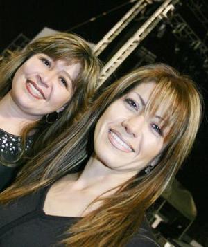 <b>13 de febrero de 2005</b> <p> Vero Martínez y Mónica Miranda.