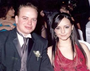 Dayanira Anaya y Pepe Jiménez Allagara.