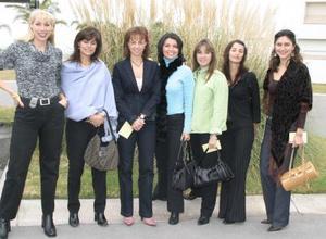 Isabel Teele, Pilar Espinoza ,Lorena Valdés,Marcela Carrillo,Cony Ramírez,Lulú Franco y Vero Espinoza.