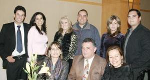 Carlos Hernández, Laura Terrazas, Liliana Mendoza, Gerardo Tueme, Liz Vlerio, Alfredo Aguado, María Elena Verano, Armando Zurita y Lucia Amezcua.