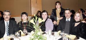 Idalia Montesinos, Eduardo Sabag, Rita Azplicueta, Myrtha Molina, Carmen Wong y Ricardo González.