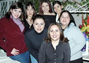 Claudia Villegas, Artemisa Rodríguez, Diana Hernández, Martha Castro, Mariana Álvarez y Lupita del Río asistieron a la fiesta de cumpleaños de Martha Patricia Ochoa.