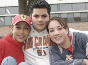 Carla Farías, Ale Sánchez y Maru Rodríguez.