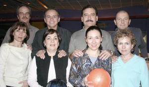 <b>14 de febrero de 2005</b> <p>  José Ramón y Cristina Algara, Jorge y Elsa Díaz, Miguel y Verónica Wong, Carlos y Pinita Villarreal.