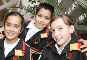 Ana Luisa Mesta, Dennis Salas y Berenice Lozano.