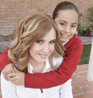 Brenda Noyola y Miroslava Carrillo.