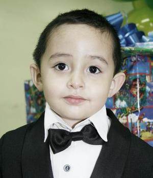 Bryan Alejandro Rodíguez Medellín cumplió tres años de edad, por lo que fue festejado por sus padres.