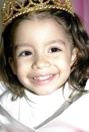<b>14 de febrero de 2005</b> <p> Ximena Lozano Ranger cumplió tres años y fue festejada con una divertida fiesta.