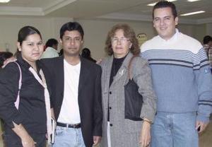 <b>14 de febrero de 2005</b> <p> Jesús Iran y Alicia Lastra viajó a Mérida Yucatán y fueron despedidos por Iván Chávez.