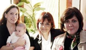 Lorena de Barrera, Angélica Barrera, Bertha de Ramírez y Marcela de Wong