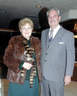 María del Carmen y Miguel Castañeda.
