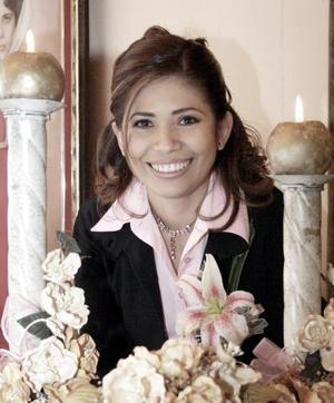 <b>17 de febrero de 2005</b> <p> Gaby Riesco Martínez captada en su despedida de soltera.