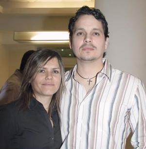 <b>16 de febrero de 2005</b> <p> Ricardo Martínez y Silvia Padilla.
