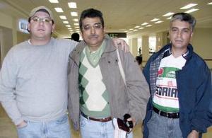Jorge Rodríguez viajó a Acapulco y fue despedido por Sergio y Abraham Rodríguez.