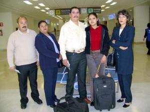 <b>17 de febrero de 2005</b> <p> Juan Velázquez, Rosa Cárdenas, Víctor González, Mercedes Laija, y Leticia a Tarango viajaron a México.