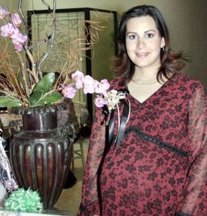 <b>17 de febrero de 2005</b> <p> Rosy Giancópulos de García en su fiesta de casntilla.