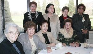 Carmen de Franco, Juana María de Natera, Yolanda de Natera, Esther de Ramírez, Bertha de Natera, Esperanza Aguilera, Guadalupe de Reyes y Marilyn Arcaute captadas recientemente.