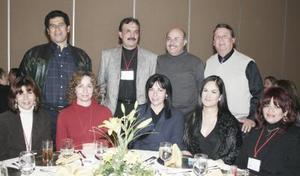<b>16 de febrero de 2005</b> <p>  Rebeca Frías, Rocío Arrañaga, Sra Izaguirre, Marisela de Rodríguez, Dora María López, Enrique Juárez, Heberto Rivera, Gerardo Martínez y Juan Manuel Zorrilla