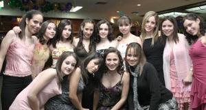 Carla, Maryfer, Luisa, Maryfer Mcbovern, Paulina, Cointa,Vicky, Nancy, Elva, Lili, Maryfer, Lorena y Ale