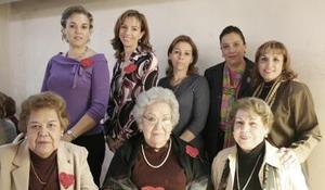 <b>17 de febrero de 2005</b> <p> Mary de Piña, Tete Villarreal, Clara de Bravo, Cristina de Zezzat, Maruca de Villarreal, Soledad de Santiago, Lilia de Santiago y Clarisa de Murra