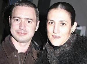 <I>CUMPLEAÑOS DE JORGE FAHUR</I> <P>   Claudia Padilla y Antonio Achem