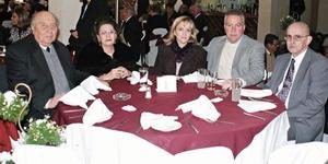 Don Roberto Tohme, Marilú Hernández de Tohme, Pedro Luis Martín Bringas y Oscar Miller.
