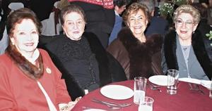 Amelia de Boheringer, Tere Iglesias, Matilde Segura y Lupita de Cabello.