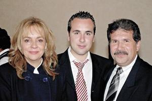 Mario Martínez Noriega, Miriam Pérez Merodio de Martínez y Mario Martínez Pérez