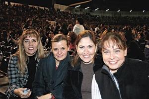 Pina Martínez de Ramírez, Pily Arteaga de Montemayor, Dulce Pereda Ezquerra y Cecilia Flores de Zarzoza