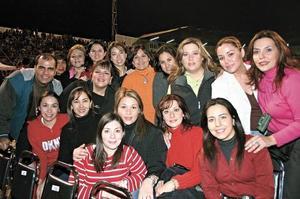 Club de Fans Astroturs: Lucy, Laura, Helda, Elvia, Lety, Daniela, Erica, Maricarmen, Mirna, Laura, Verónica, Violeta, Javier, Linda, Marina y Maria Luisa