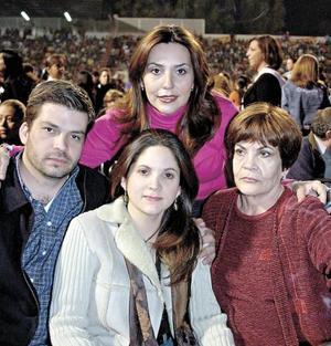 Miguel, Mary, Rosy y María Luisa Ramos