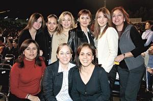 Blanca Flor, Azucena Rodríguez, Blanca Mora, Maricarmen de Jaik, Elvira Escalera, Paty Mota, Tere Rodríguez, Rocío de Rivera y Mayra Corral.