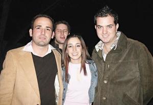 Roberto Garza, Anahí y Carlos Pérez