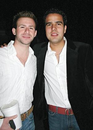 Los festejados Juan Eduardo Villalobos y Aldo Villarreal