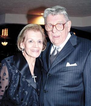 Loreta Marcos de Casan y Ángel Casan