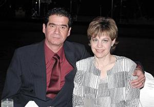 <I>BODAS DE ORO</I> <P>Edgar Villarreal y Susana Estens de Villarreal